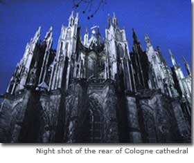 Night shot of the rear of Cologne cathedral